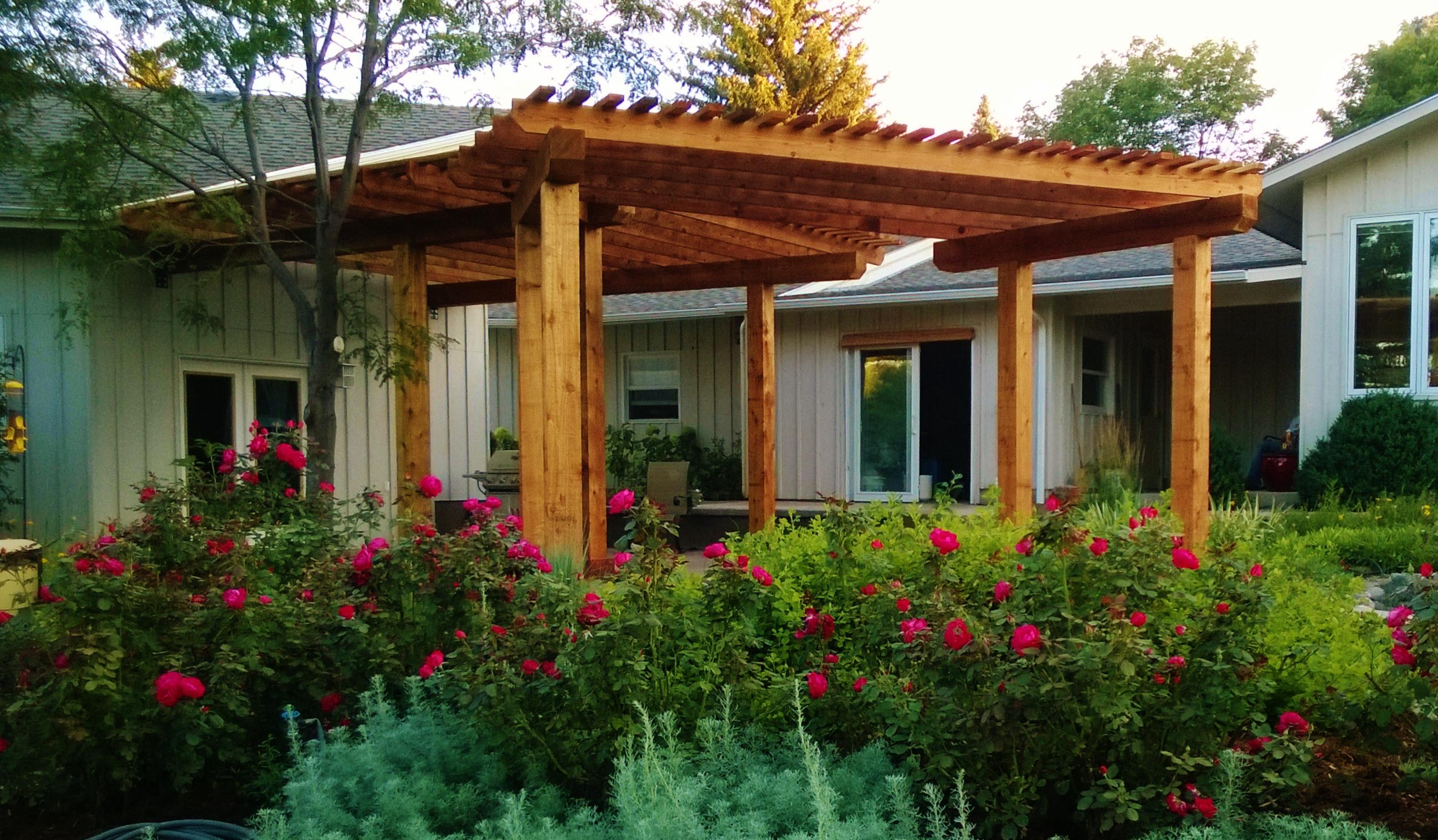 Pergola - Sun Shade & Privacy Enclosure